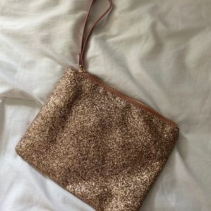 Handbags - Large sequined wristlet